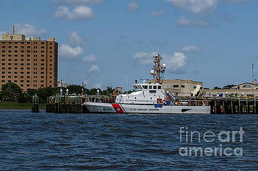 Dale Powell - USCGC Coast Guard Yellowfin 87319