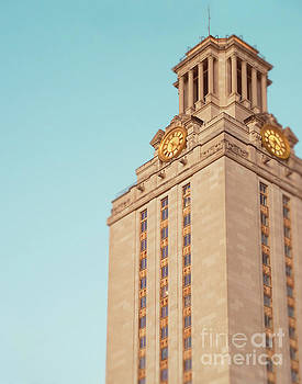 Sonja Quintero - UT Tower