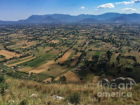 Valle del Liri by Joseph Yarbrough