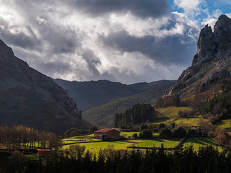 Valley by ACAs Photography
