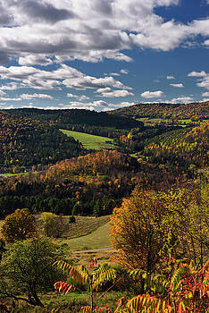 Reimar Gaertner - Valley at Barnet Center Vermont with hills touched by Fall color