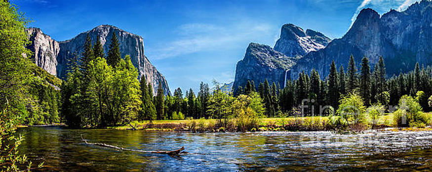 Tranquil Valley by Az Jackson