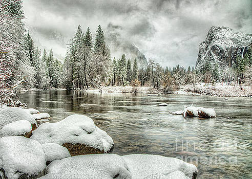 Wayne Moran - Valley View Winter Storm Yosemite National Park