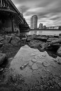 Vauxhall Rock Pool by Matt Malloy