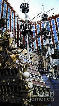 Vegas Pirate ship by Robert Lowe
