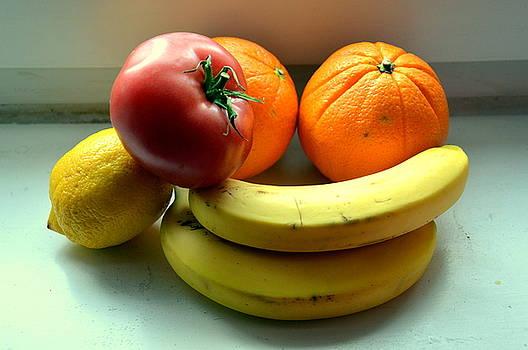 Henryk Gorecki - Vegetables and Fruits