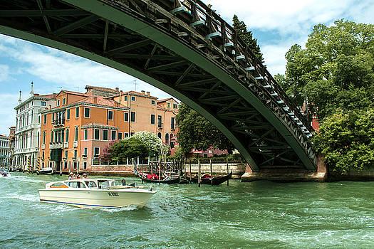 Venice bridge by Milan Mirkovic