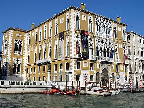 Venice Canal Building by Lisa Boyd