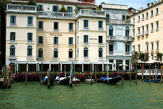 Venice hotel by Milan Mirkovic