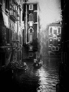 Venice - impressionist street photography by Frank Andree