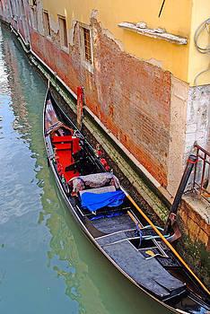 Venice Italy Gondola  by John Gilroy