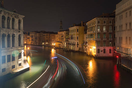 Venice night traffic by Andrew Lalchan