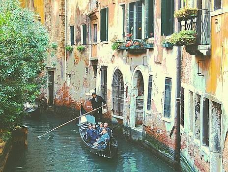 Venitian Canal by Bill Vernon