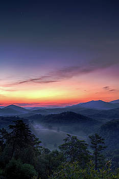 Venus Over The Smokies by Zev Steinhardt