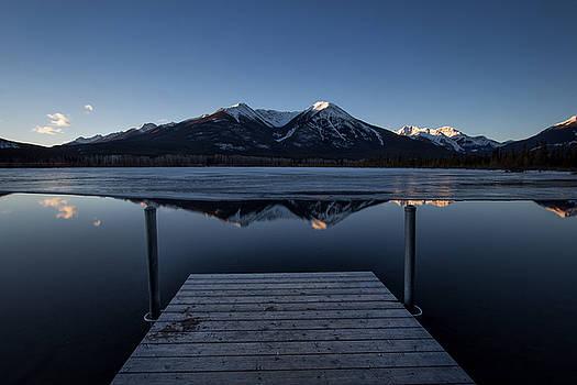 Vermillion lakes at dawn by Celine Pollard