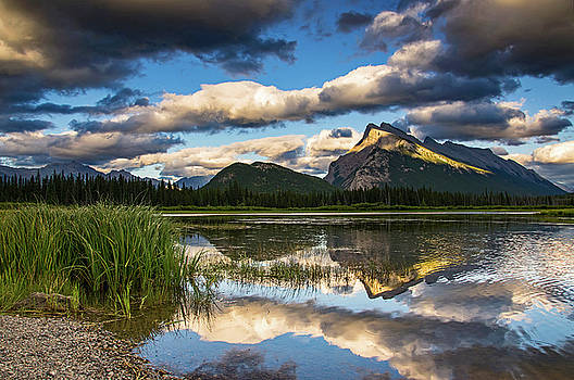 Vermillion Lakes by Chris Allington
