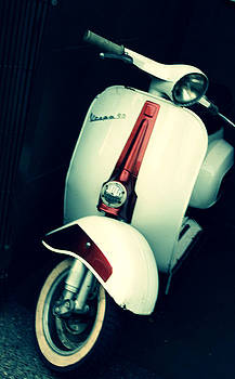Vespa by Lauren Williamson