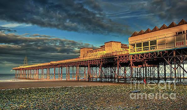 Victoria Pier 1899 by Adrian Evans