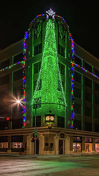 Susan Rissi Tregoning - Victory Building Christmas