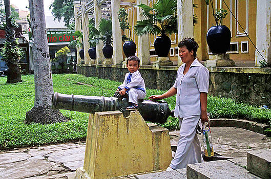 Vietnam Child And Mother by Rich Walter