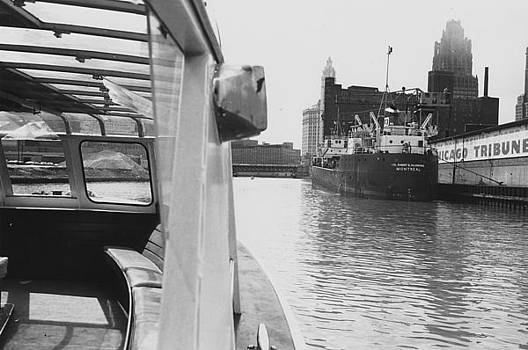 Chicago and North Western Historical Society - View of Chicago Tribune From Water - 1962