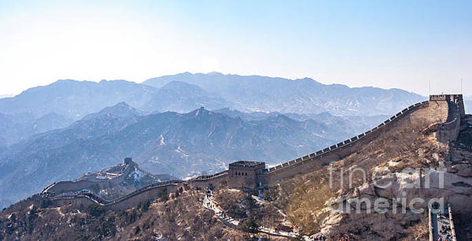 View of the Great Wall if China and Visitors by PorqueNo Studios