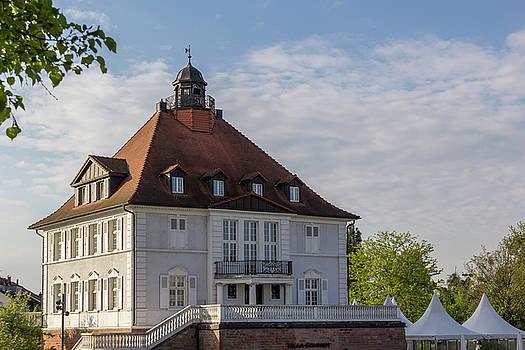 Villa Schmidt 01 by Teresa Mucha
