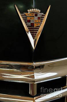 Vyacheslav Isaev - Vintage Cadillac 62, hood badge big