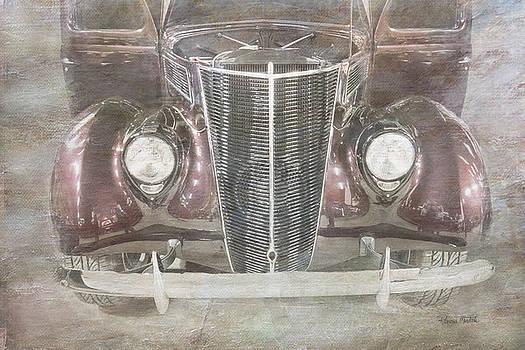 Vintage Classic by Ramona Murdock