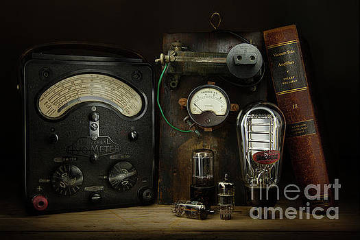 Vintage Electronics by Martin Williams