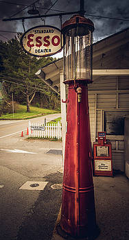 Vintage Gas Pump, Mast General Store by Cynthia Wolfe