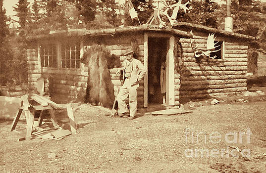 Vintage Hunting Log Cabin by Linda Phelps