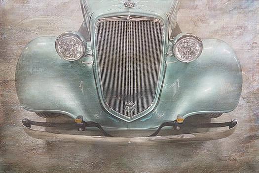 Vintage Jewel by Ramona Murdock