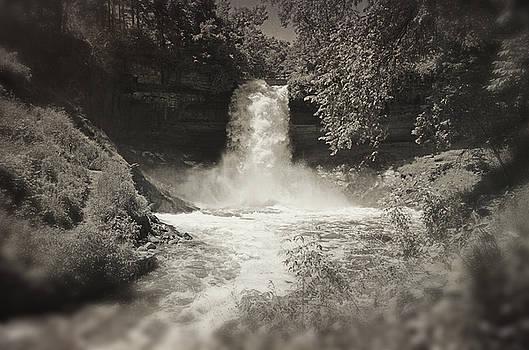 Vintage Minnehaha Falls v2 by Heidi Hermes