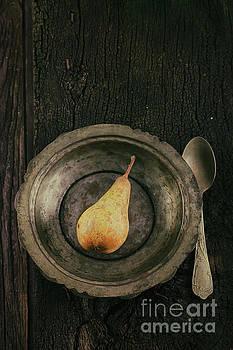 Vintage pear by Mythja Photography