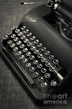 Edward Fielding - Vintage Portable Typewriter