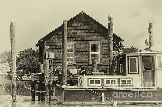 Dale Powell - Vintage Shem Creek Dockside