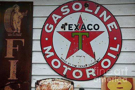 Dale Powell - Vintage Texaco Gasoline Motor Oil