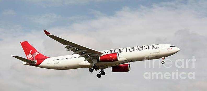 Virgin Atlantic Airbus A330-300 Landing in London, UK by Colin Cuthbert
