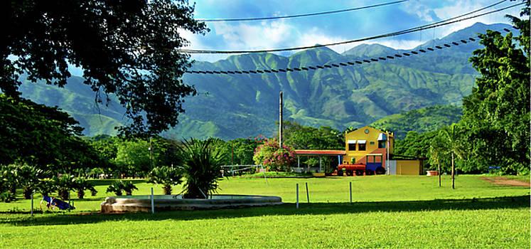 Vista del Ferrocalejo en Rincon Grande by Bibi Rojas