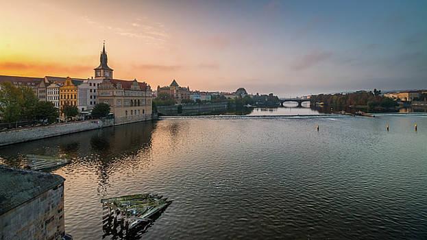 Vltava river in Prague by Fabio Gomes Freitas