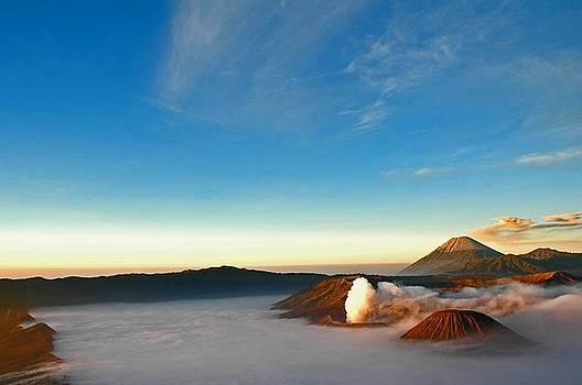 Volcanoes by Mario Bennet
