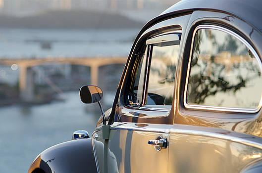 Volkswagen Beetle by Francisco  Fonseca