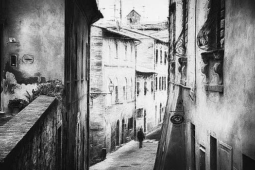 Volterra Impression - impressionist street photography by Frank Andree