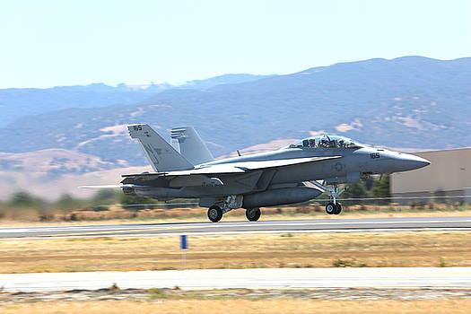 John King - Vr  McDonnell Douglas-F/A18 Hornet departs Hollister Air Show