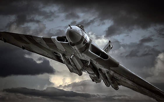 Vulcan XH558 by Jason Green