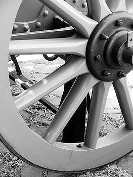 Wagon Wheel by Rae Tucker