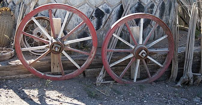 Wagon wheels. by Robert Rodda