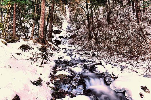 Wahkeena Falls in ice by Jeff Swan
