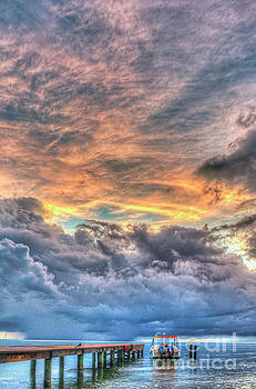 Waiting for the Storm coming by David Zanzinger